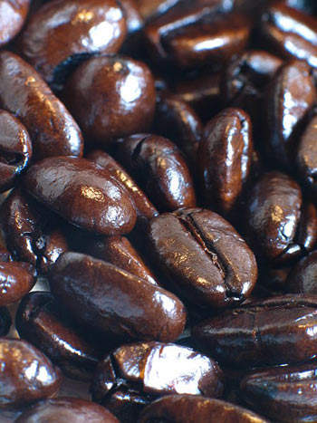 Italian roast coffee is dark with an oily appearance. This is due to aromatic oils being exuded onto the surface, which gives a sublime flavour.