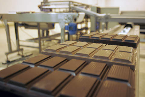 The plant produces white, milk, dark chocolate and compound and will supply them for industrial and artisanal supply, targeting the growing food-service sector in Brazil.
