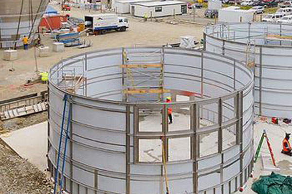 The final boiler components for the milk factory were assembled at Timaru port. Image courtesy of Oceania Dairy.