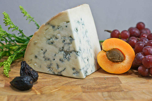 The co-operative produces a variety of cheese products including Gorgonzola cheese crumbles. Credit: Artizone.