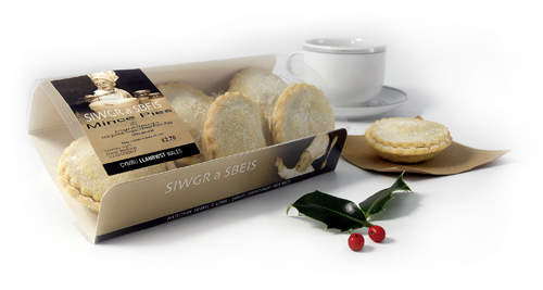 Sigwr a Sbeis mince pies are just one of the products following traditional recipes and methods.