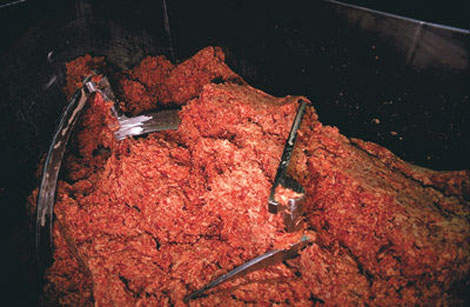 The plant also produces ground beef for the manufacture of ready meals.