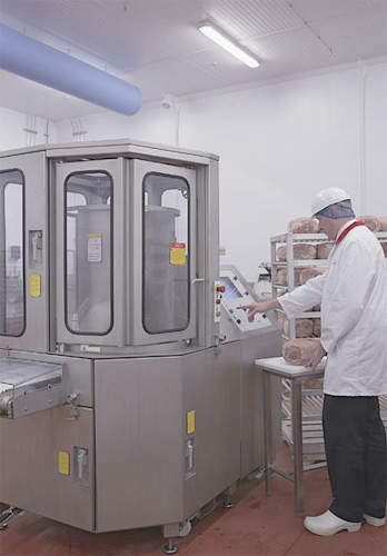 APC Slicer, an automatic portion control slicers producing volumes of first class gammon steaks.