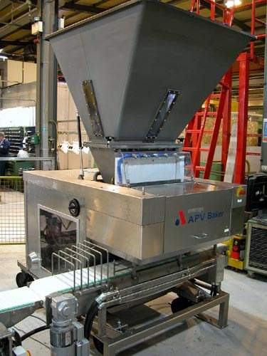 This APV Baker Accurist can divide bread batches into 900g units with a standard deviation of only ±2.5g.