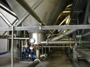 Cylindro-conical steeping vessel.