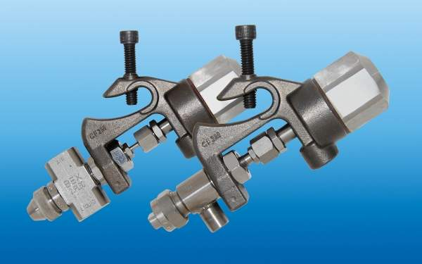 air actuated nozzle assemblies